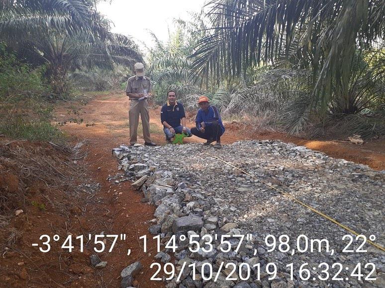 Jalan Untuk Petani Sawit